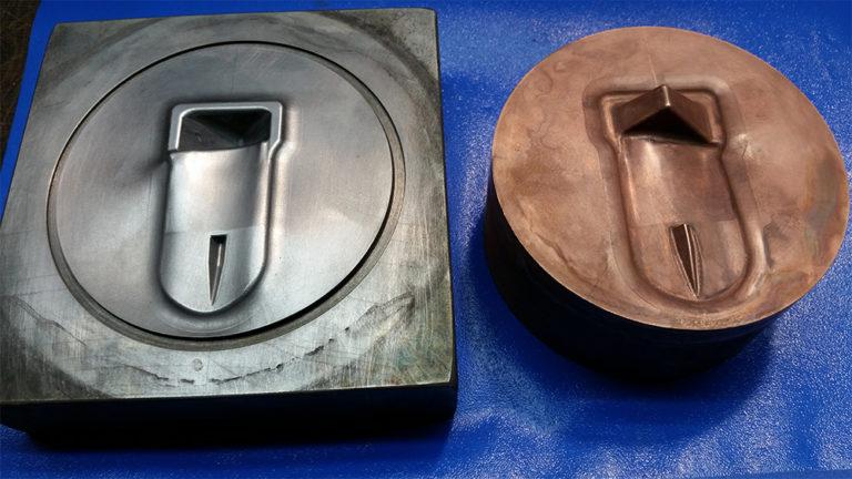 Штампы для изотермической штамповки лопаток.